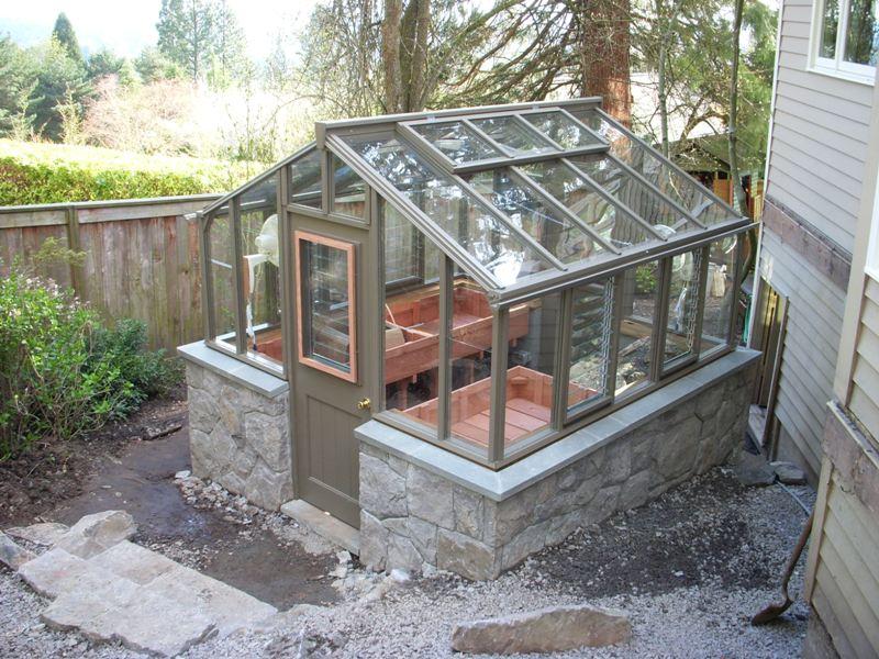 Alpine plant greenhouse