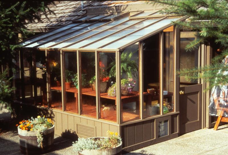 Garden sunroom greenhouse gallery sturdi built greenhouses for Sunroom garden room