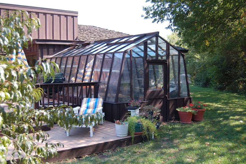 Home greenhouse with one end attached
