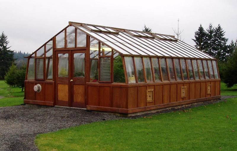 Large sized greenhouse with double doors