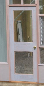 Glass in lower panel (standard door only)